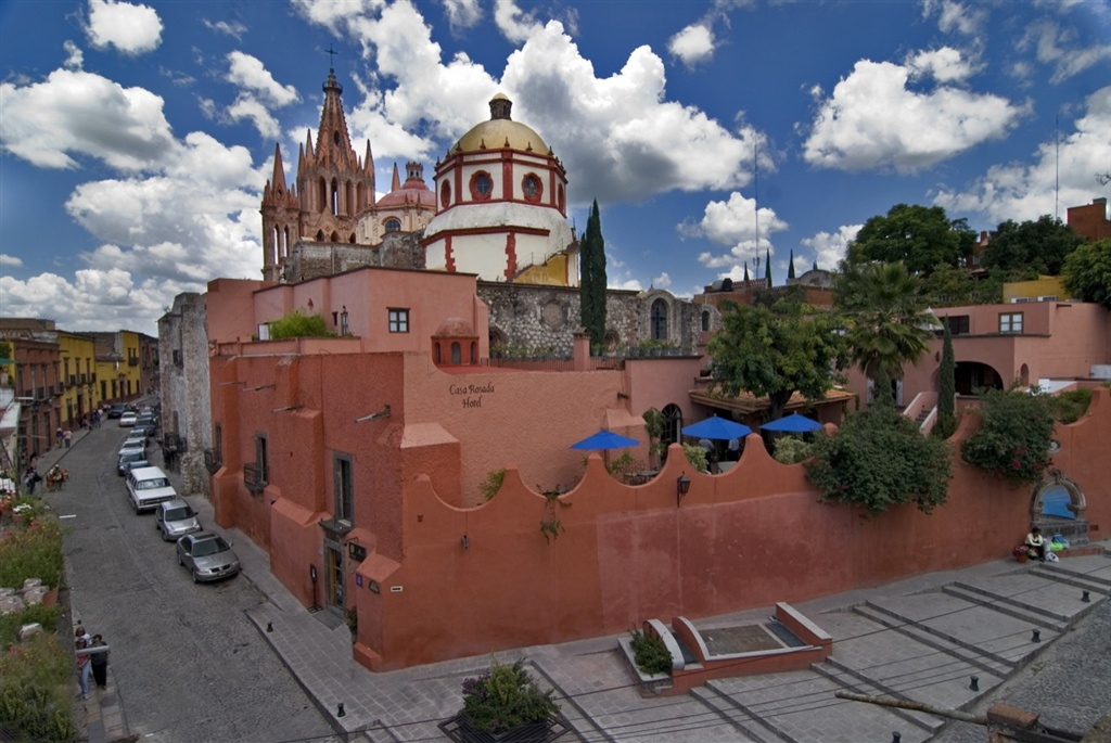 Casa-Rosada-1-of-27-1.jpg.1024x0