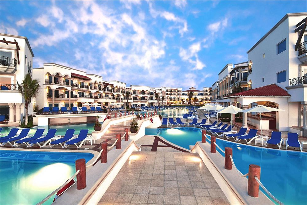 The Royal Playa del Carmen