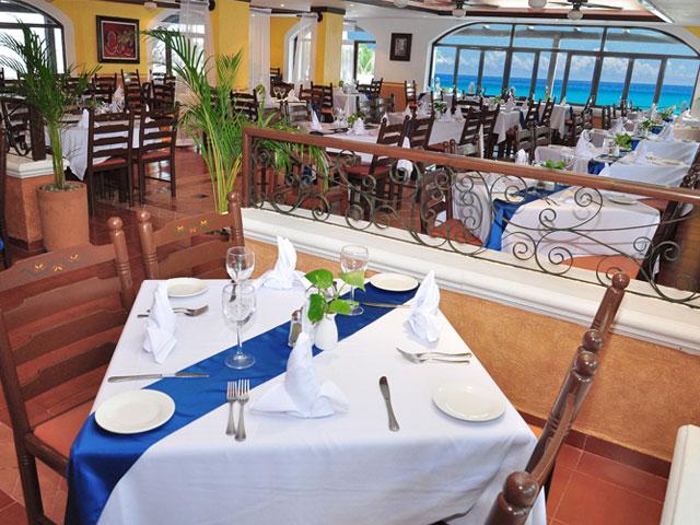 Flamingo Cancun budget hotel