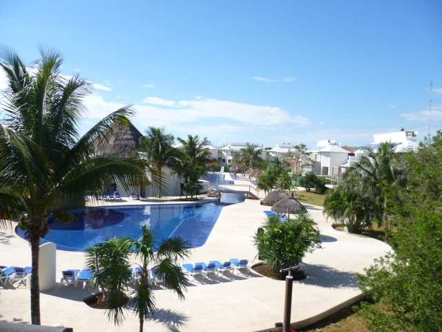 pool11_at_the_Sandos_Caracol_Eco_Resort_and_Spa