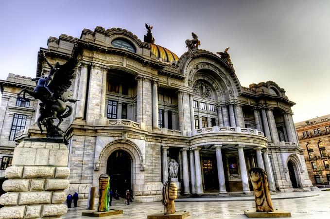 Palacio_de_Bellas_Artes_en_Mexico